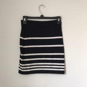 Rag & bone knit black and white striped skirt S